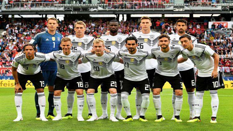 """เยอรมันตัดชื่อ""""ซาเน""""พ้น23แข้งลุยบอลโลก"""