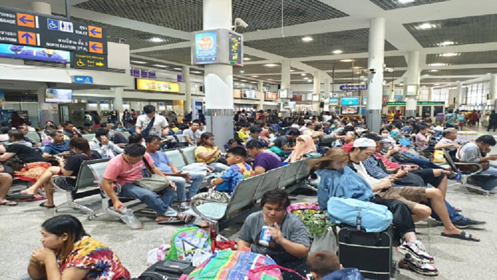 บขส.คาดวันนี้ คนไทย 150,000 คน ปชช.ทยอยกลับบ้านเทศกาลสงกรานต์