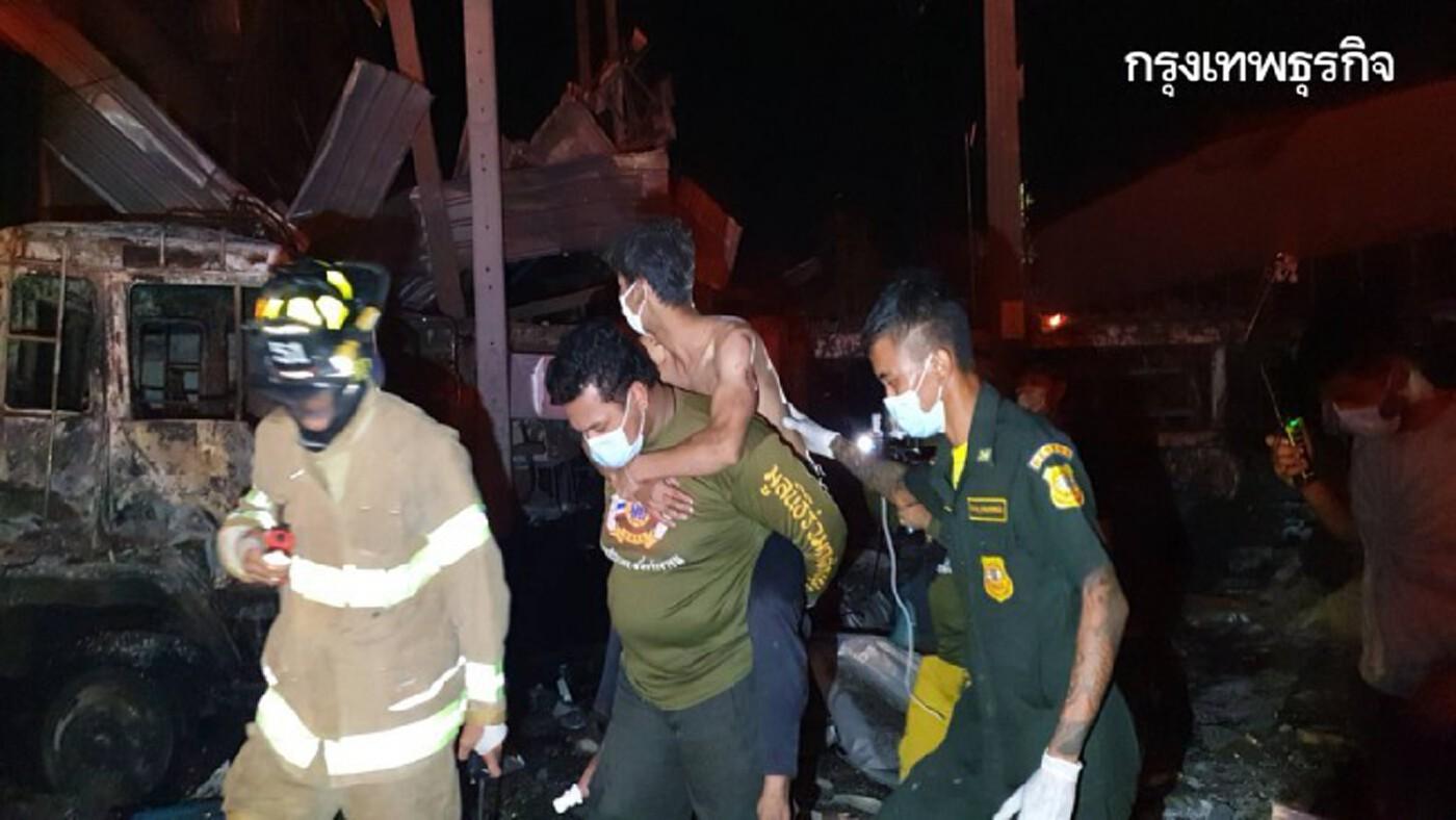 เพลิงไหม้โรงงานโฟมเคมีวอด'กิ่งแก้ว 21' แรงระเบิดทำให้บ้านเรือนเสียหายวงกว้าง