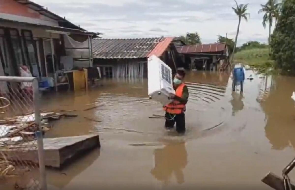 น้ำท่วมเพชรบูรณ์ พิษพายุเตี้ยนหมู่ เร่งช่วยอพยพชาววิเชียรบุรี
