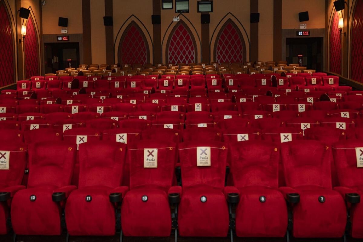 เมเจอร์ ซีนีเพล็กซ์ พร้อมรับคลายล็อกเปิดโรงภาพยนตร์
