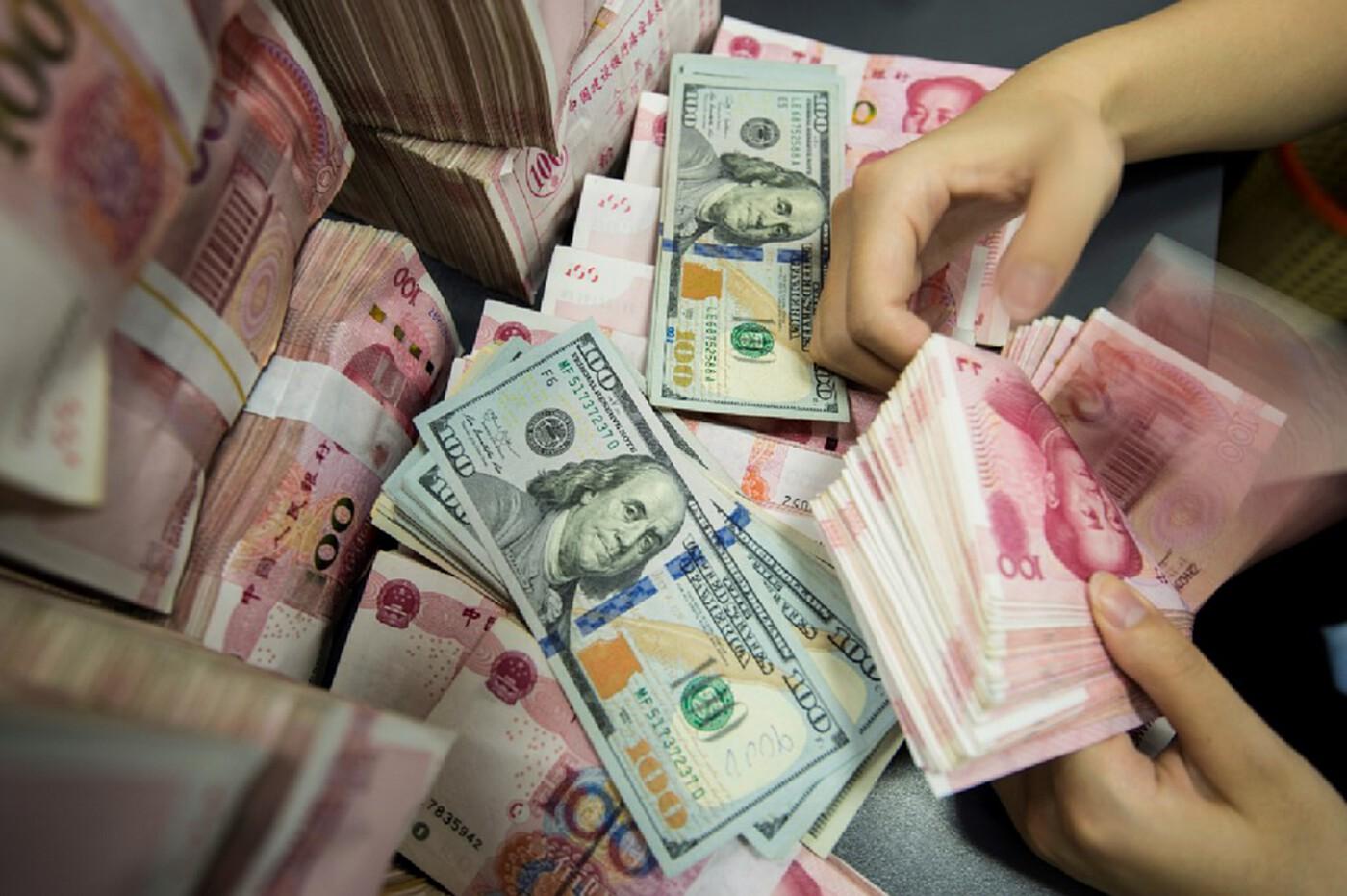 ดอลลาร์แข็งค่าเหตุเป็นสกุลเงินปลอดภัย