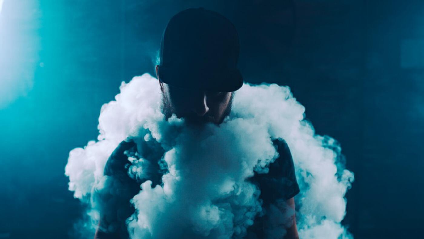 """""""บุหรี่ไฟฟ้า"""" อันตรายกว่าที่คิด 1 แท่งมี """"สารนิโคติน"""" เท่ากับบุหรี่ซอง 20 มวน"""