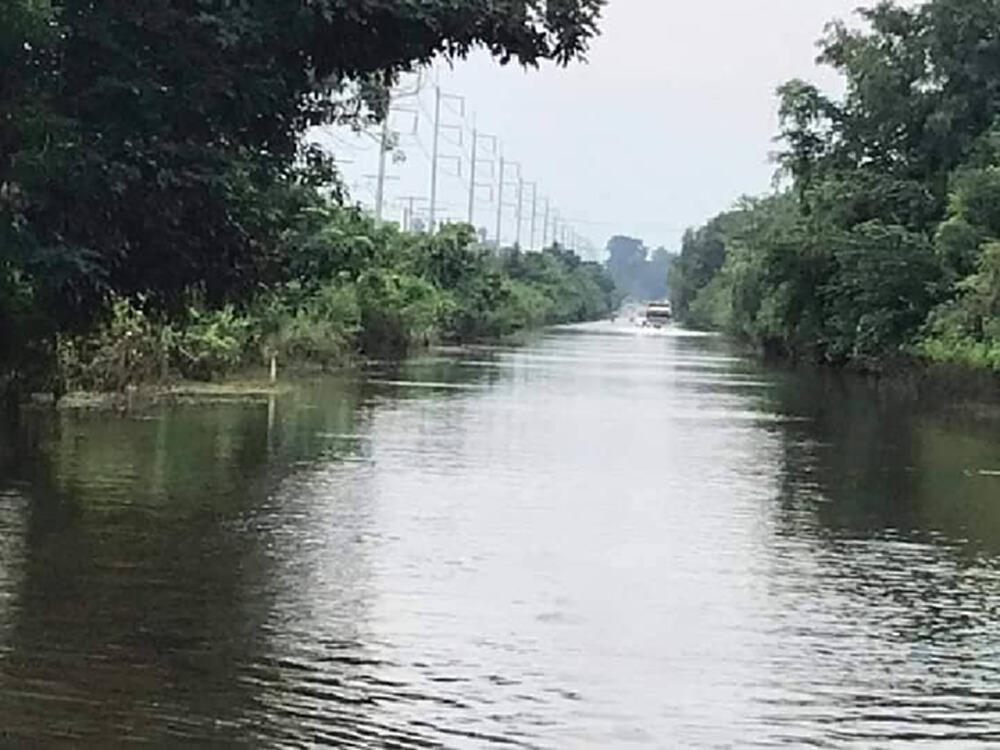 ทางหลวงถูกน้ำท่วม ดินสไลด์ และสะพานชำรุด 17 จังหวัด จราจรผ่านไม่ได้ 20 แห่ง