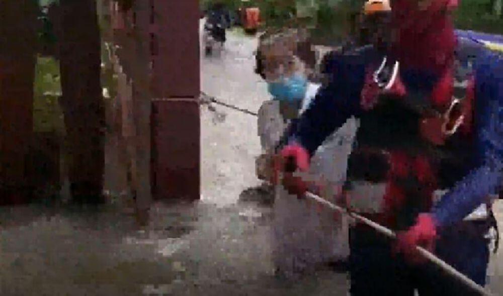 """""""คมปาซุ"""" ถล่มโคราช มวลน้ำทะลัก อ.ด่านขุนทด เตือน ปชช. เส้นทางน้ำเฝ้าระวัง"""