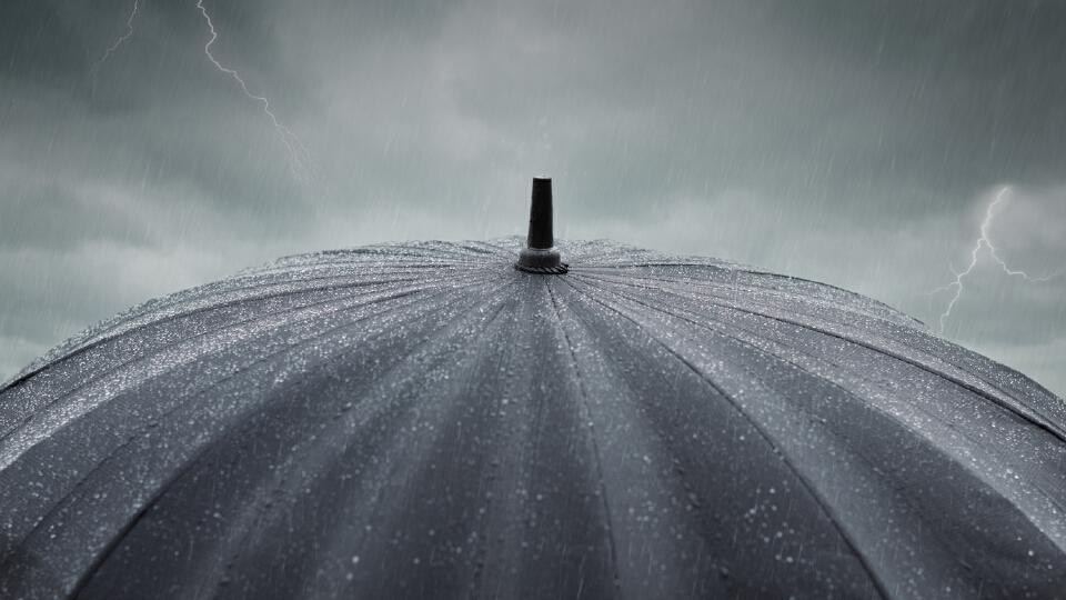 """""""กรมอุตุนิยมวิทยา"""" เตือนไทยตอนบนระวังอันตรายจากฝนฟ้าคะนอง-ฝนตกหนัก"""